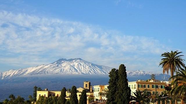 Hol található az Etna vulkán?