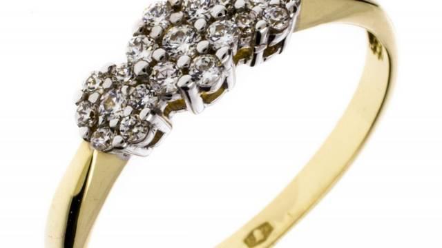 Milyen elnevezésű gyűrűt kapnak a humoristák?