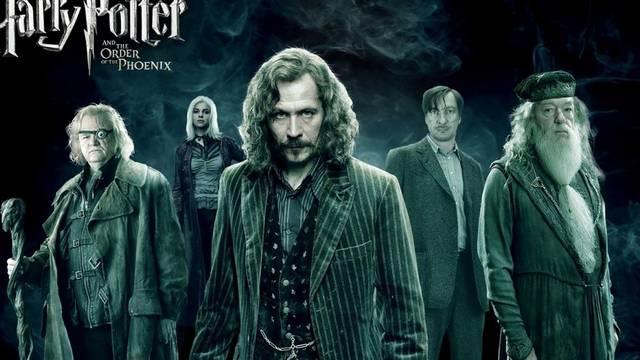Ki találta meg a polcon Harry jóslatát?