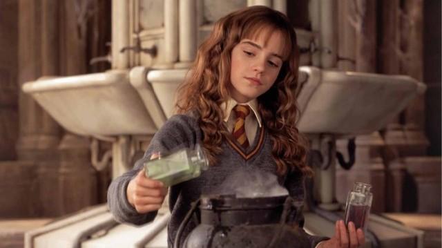 Mit főznek Harryék ,hogy megtudják ki nyitotta ki a kamrát?