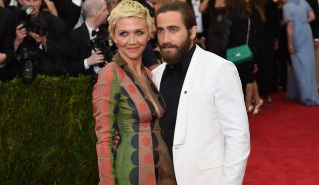 Maggie és Jake Gyllenhaal színész testvérpár.  Maggie melyik világsztárral játszott együtt a Mona Lisa mosolya című filmben?