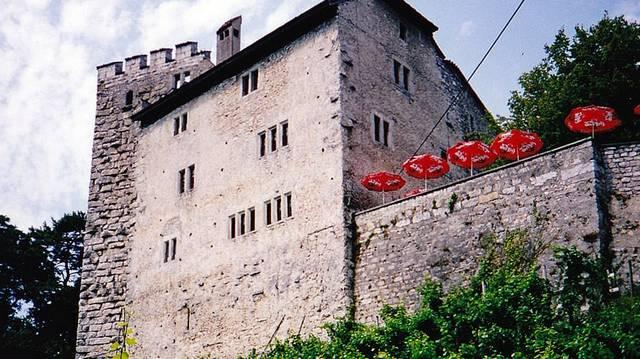 Hol található a Héjavár, a Habsburgok ősi vára?