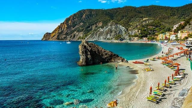 Melyik tengerrel nem határos a Balkán-félsziget?