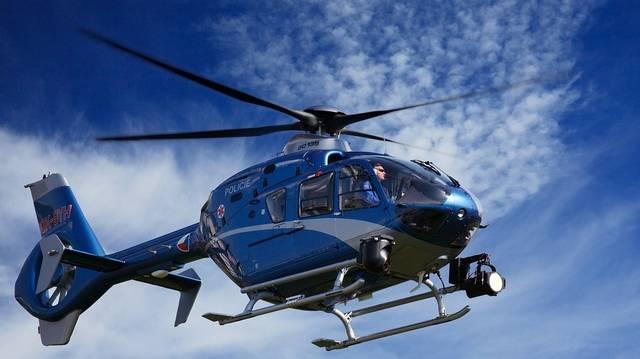 Kinek a nevéhez fűződik az első helikopter megépítése?