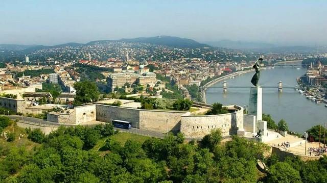 Az elnyomó hatalom az 1848-49-es szabadságharc leverése után építette Budapesten: