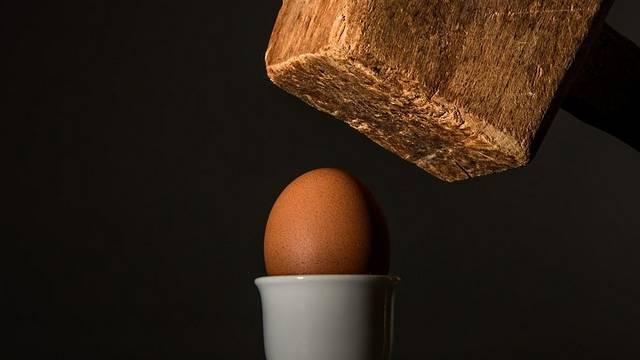 Milyen vízben főzzük a buggyantott tojást?