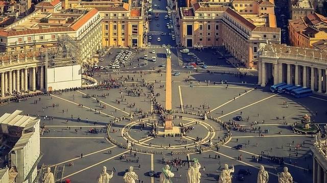 Tippelj, mekkora lehet Vatikán népessége? (2011. március elsejei adat.)