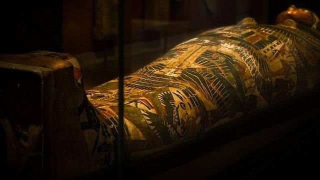 Melyik fáraó sírjával kapcsolatos a fáraó átka?