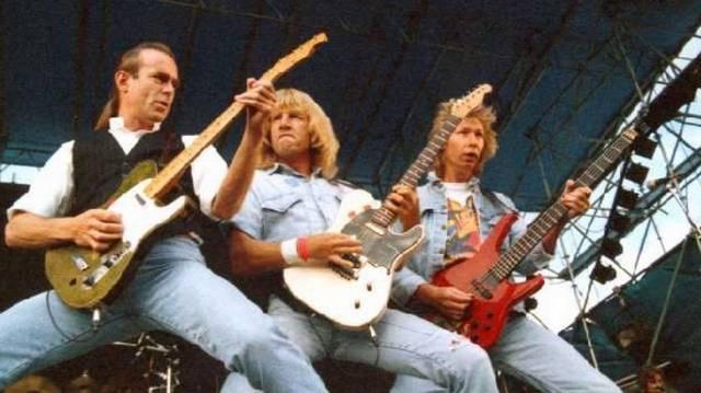 Melyik a Status Quo együttes egyik ismert dala az alábbiak közül?