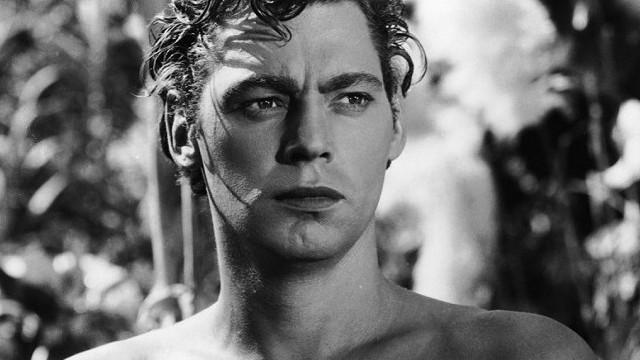 Milyen sportágat űzött, több olimpiai aranyérmet is bezsebelve a Tarzan-filmek főszereplője, Johnny Weismüller?