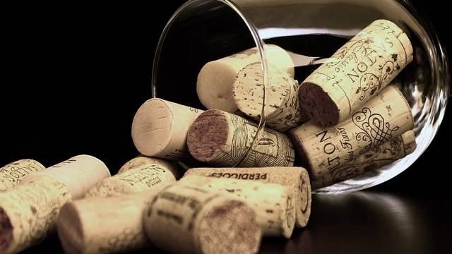 Milyen szőlőszemekből készül az aszúbor?