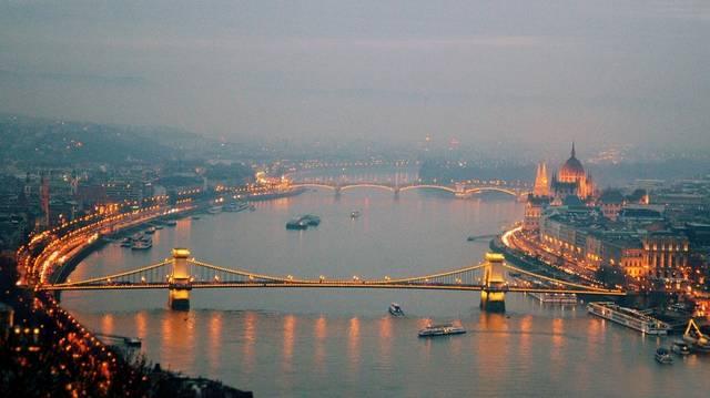 Körülbelül mennyi Magyarország népessége?