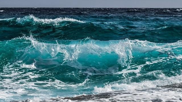 A Föld felszínének kb. hány százalékát borítja víz?