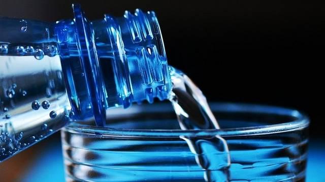 Az orvostudomány mai állása szerint az ember hány napig bírja ki víz nélkül?