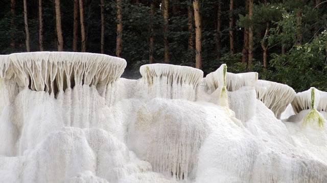 Csak Pamukkaléban (Törökország) és a Yellowstone Nemzeti Parkban (USA) található az egerszalóki sódombhoz hasonló képződmény. De mi kellett ahhoz, hogy ez kialakuljon?