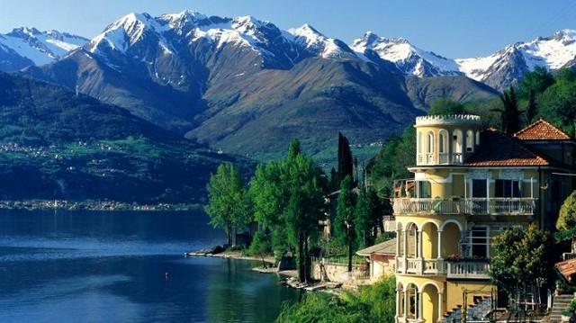 Hol található a Comoi-tó?