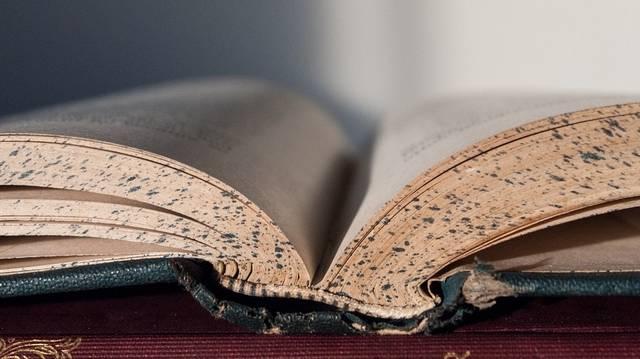 Milyen nyelvű a Halotti beszéd és könyörgés?