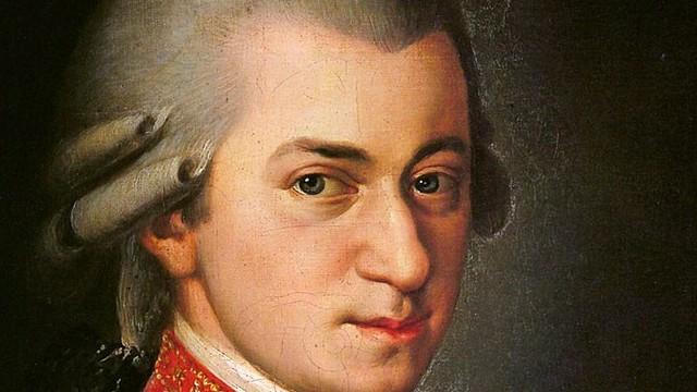 Melyik osztrák város nevezetessége Mozart szülőháza?