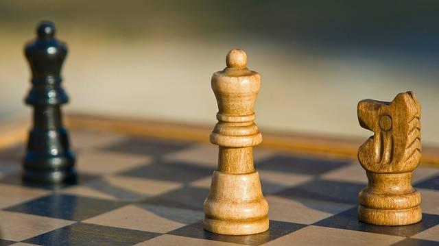 Hány négyzet található a sakktáblán?