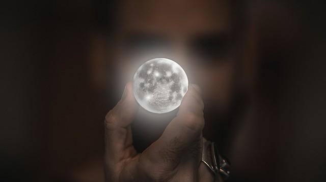 Mikor járt Armstrong, az első ember a Holdon?