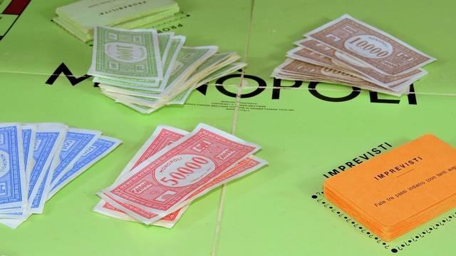 Mit kell gyűjteni a Monopoly társasjátékban?