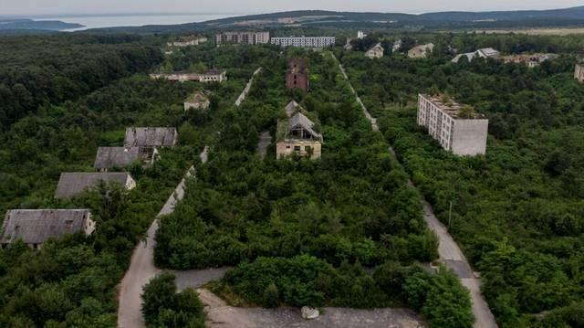 Melyik közelében fekszik Szentkirályszabadja?