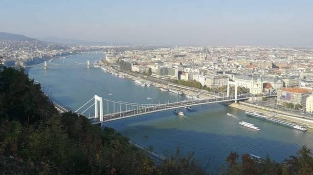 November 17-én Buda, Pest és Óbuda egyesítésével, létrejött Budapest. Melyik évben?