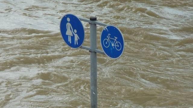 A felsoroltak közül, melyik a leggyengébb, legkisebb időjárási figyelmeztetés?