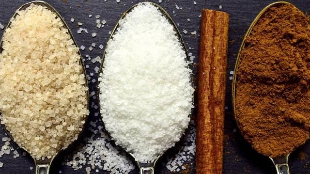 Melyik édesség volt hasonló a Balaton szelethez?