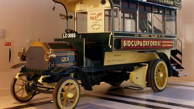 Az omnibusz (képünkön) a városi tömegközlekedés legrégibb eszköze. De hogyan hajtották meg?