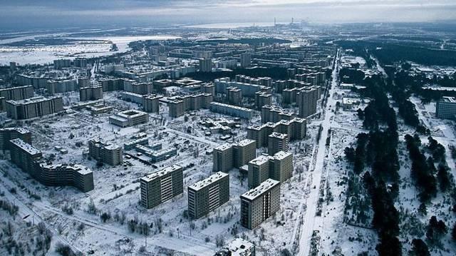 Melyik az az ukrán város, amely jelenleg elhagyatott szellemváros, mivel a tőle alig három kilométerre fekvő csernobili atomerőmű 4-es blokkja 1986-ban felrobbant?