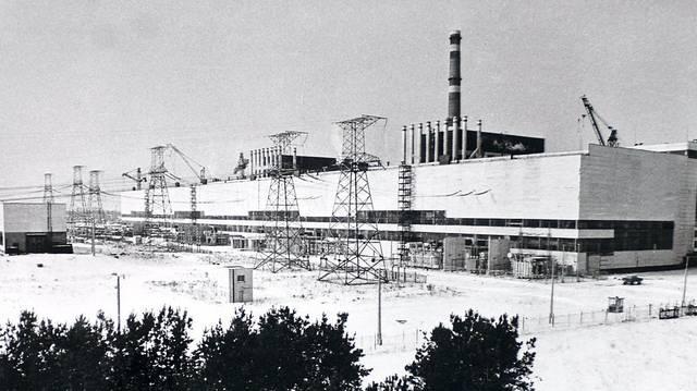 Melyik hónapban történt az 1986-os csernobili atomerőmű-baleset?