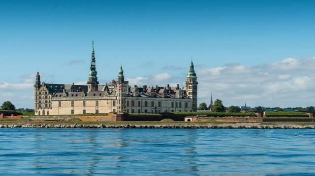 Melyik dán kastély szolgált a Hamlet című dráma helyszíneként?