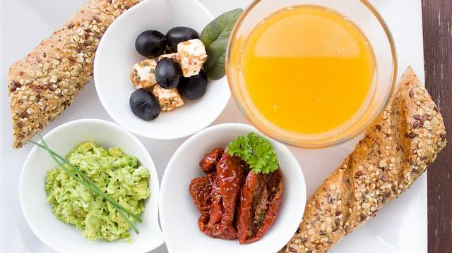 Guacamole már itthon is kapható, mint ahogy számos receptje is elérhető, így bárki könnyedén el tudja készíteni. Miből készül ez a kenhető, zöld színű étel?