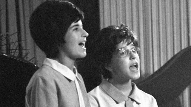 Ki volt Koncz Zsuzsa partnere, egyben osztálytársa, akivel a Drága nagymami és a Gézengúz című dalokat adták elő az 1962-es Ki mit tud?-on?