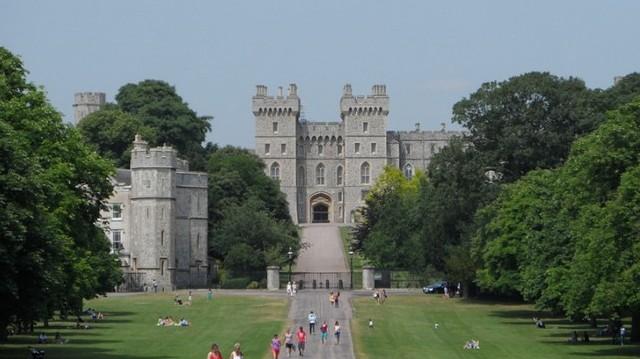 Hol található a windsori kastély?