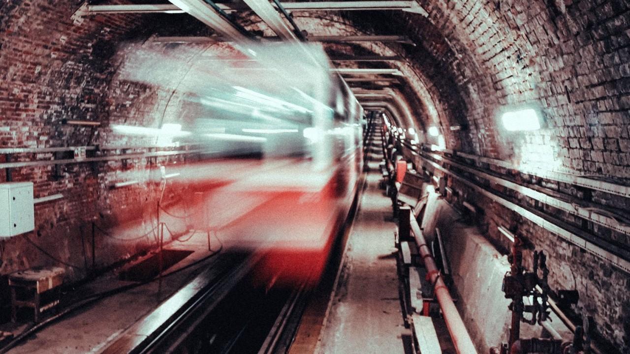 Melyik város büszkélkedhetett a világon először metróvonallal?