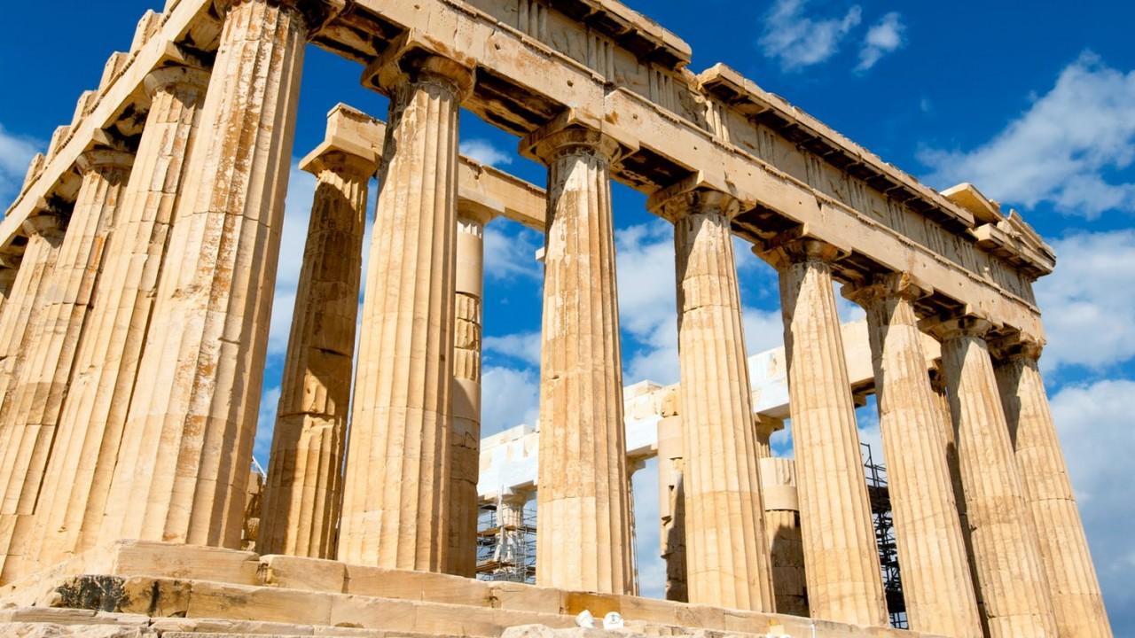 Mi történt a görög mitológiában Narkisszosszal, miután beleszeretett a saját tükörképébe?