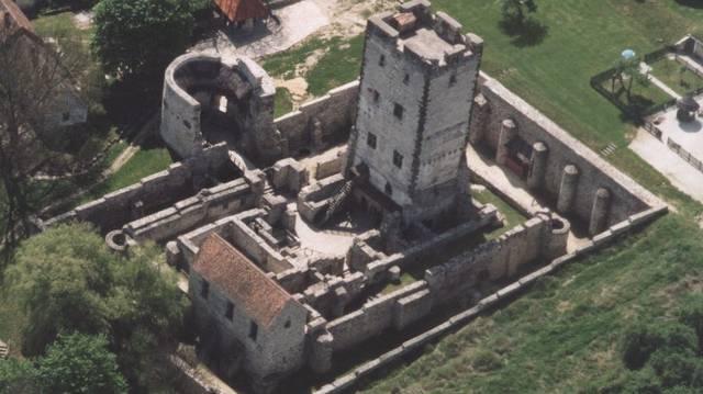 Melyik megyében található a Kinizsi-vár?
