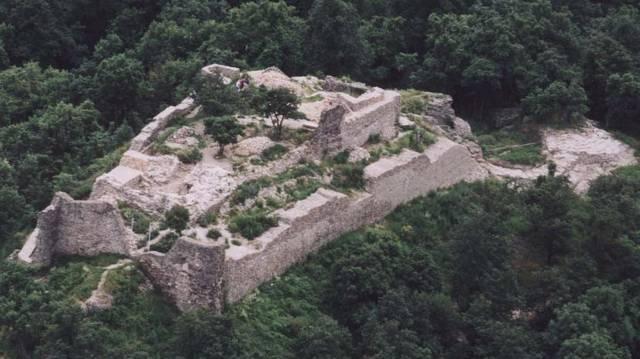 Melyik megyében található Drégely vára?