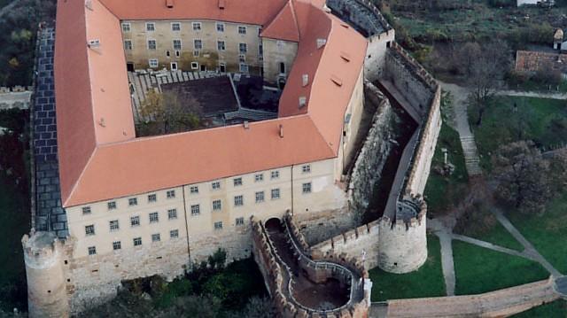 Melyik megyében található a Siklósi vár?