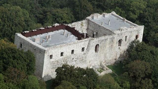 Melyik vár nem Borsod-Abaúj-Zemplén megyében található?