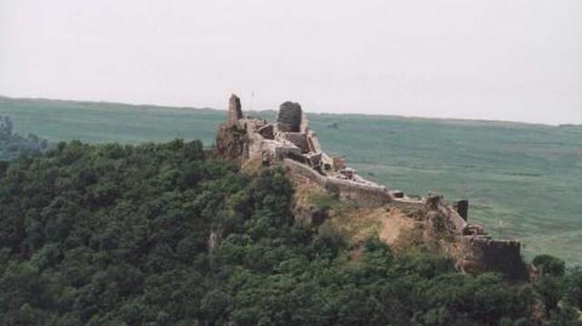 Melyik vár nem Baranya megyében található?