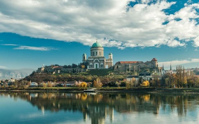 A Dunántúl Athénje, A Sárkányok Városa, A Nyugat Királynője. Hol járunk Magyarországon?