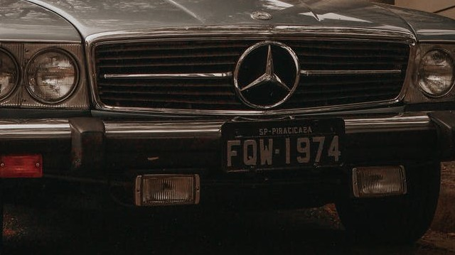 Melyik ország hivatalos autójelzése: CH?