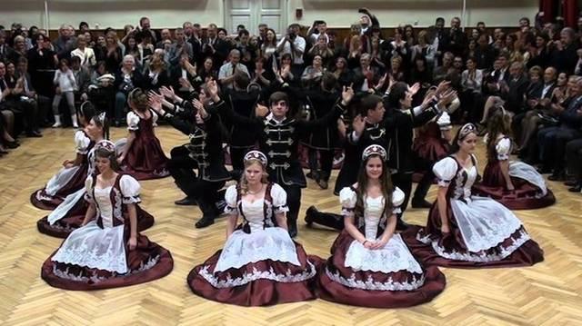 Palotás - Melyik ország tánca?