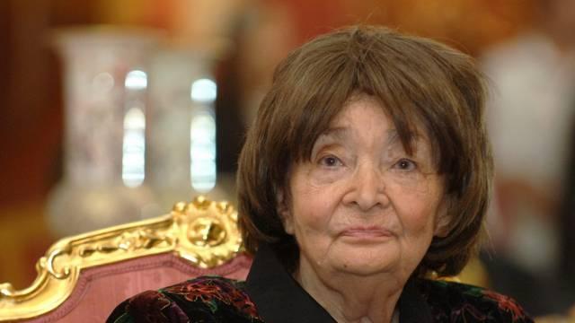 A magyar irodalom egyik kiemelkedő asszonya, Kossuth-, József Attila- és Getz-díjas író, költő, műfordító (1917-2007). Az irodalom szinte minden területén kipróbálta tehetségét, élete végéig alkotott.