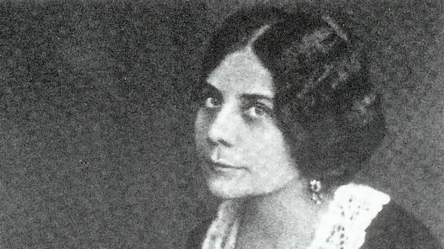 Író, költő, műfordító, a Nyugat első nemzedékének egyik legjellegzetesebb képviselője (1880-1918), nemzedékének egyetlen kiemelkedő nőtagja.