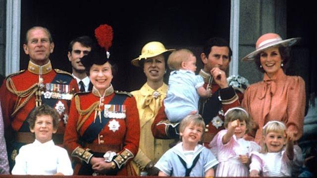 Ki az első brit trónörökös, aki nem családi kastélyban, hanem kórházban született?