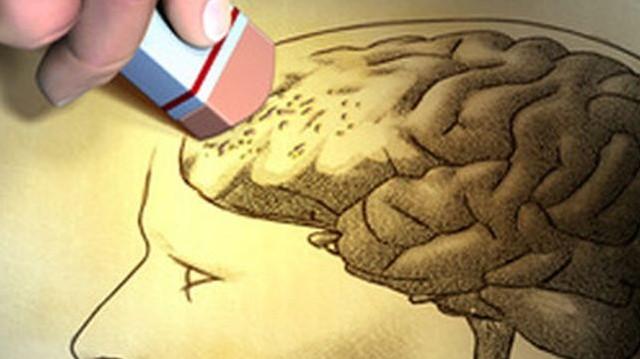 A baltimore-i Johns Hopkins Egyetem kutatói nevezetes Alzheimer-kór kísérleteit milyen hivatást végző embereken végezte el?